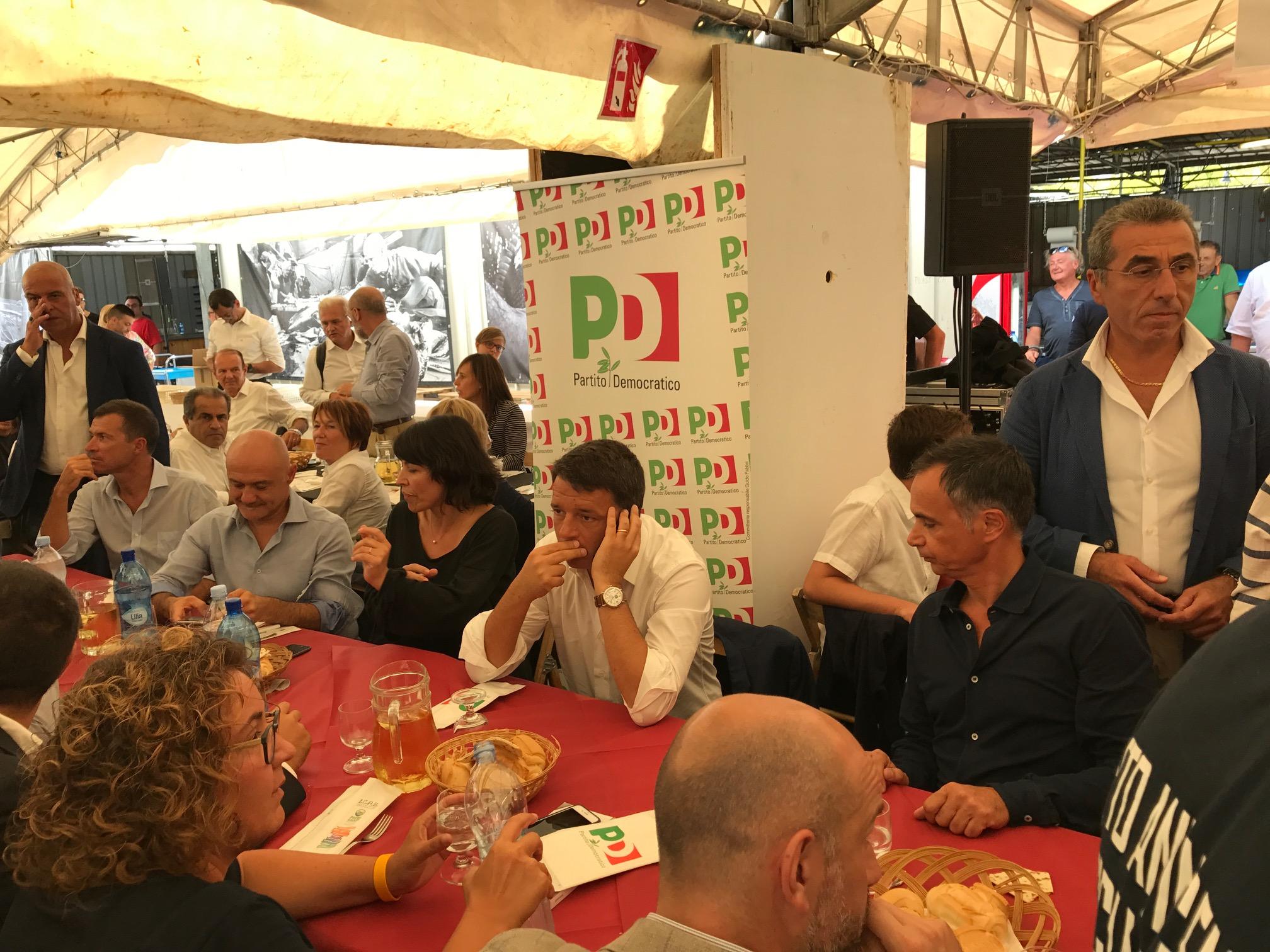Renzi: 'Giusto lo stop agli sbarchi, il Pd non è diviso'
