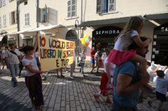 Il corteo contro i vaccini obbligatori in centro a Ravenna