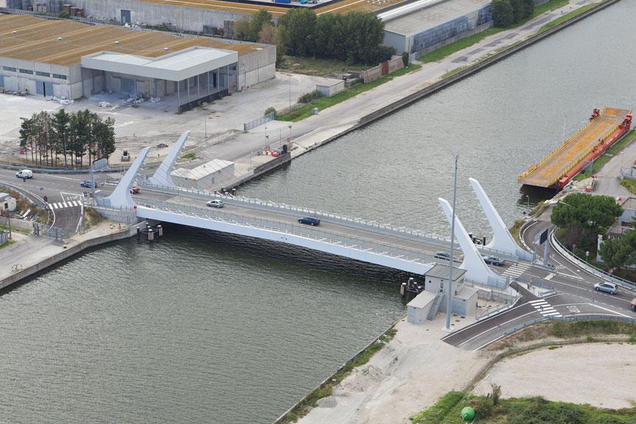 Ponte mobile chiuso al traffico dal 31 luglio all 39 11 for Mobile a ponte