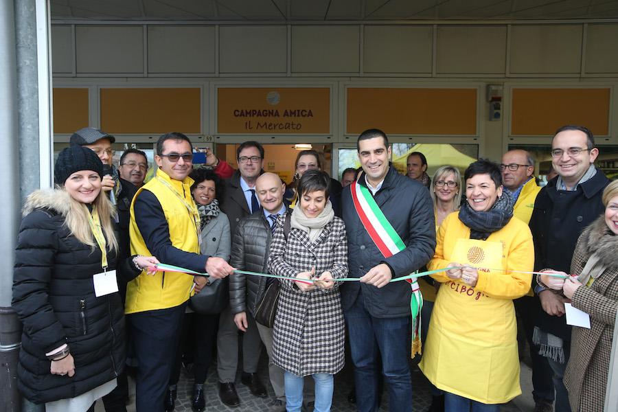 RAVENNA 17/11/2018. INAUGURATO IN VIA CILLA IL MERCATO COPERTO DEGLI AGRICOLTORI