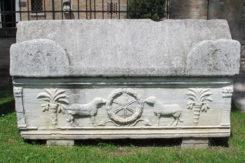 San Vitale Est Sarcofago