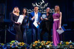 La premiazione di Dj Mitch (il secondo da destra)