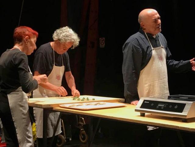 Risultati immagini per pane e petrolio teatro delle ariette locandina