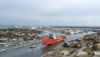 Nave Gigante Porto